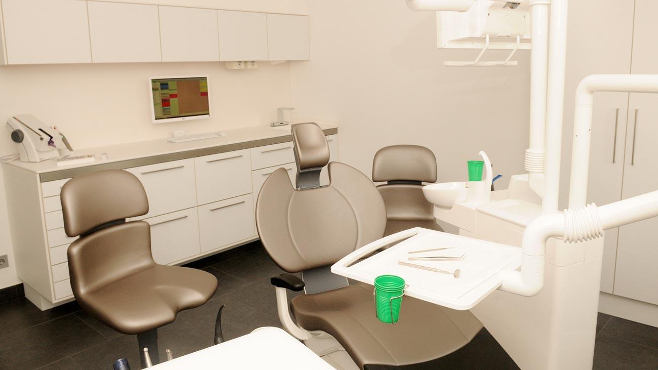 Ansicht eines Behandlungszimmers in unserer Zahnarztpraxis Berlin Steglitz