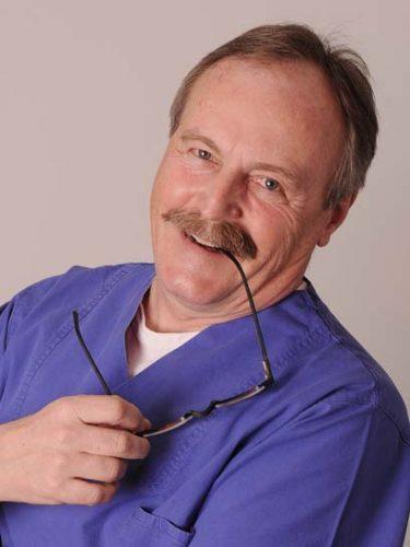 Zahnarzt Norbert Schlär in Berlin