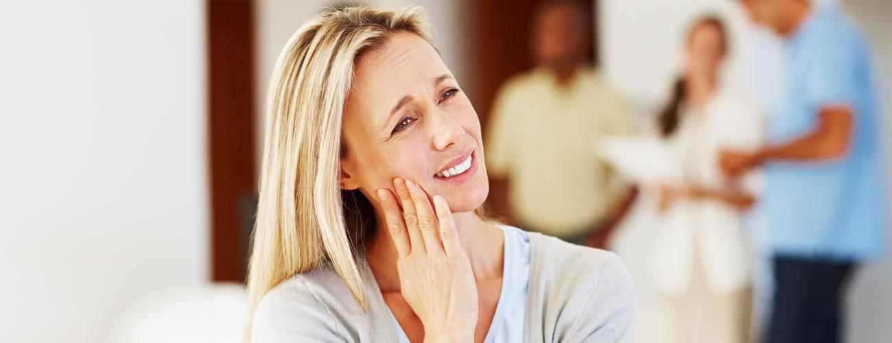 erste hilfe was tun wenn der zahn schmerzt zahnarzt berlin steglitz. Black Bedroom Furniture Sets. Home Design Ideas