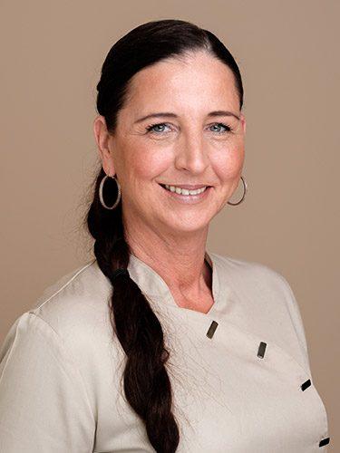 Sandra Hönicke arbeitet als Zahnmedizinische Verwaltungsassistentin sowie an der Rezeption bei den Zahnärzten im Schloss Berlin Steglitz.