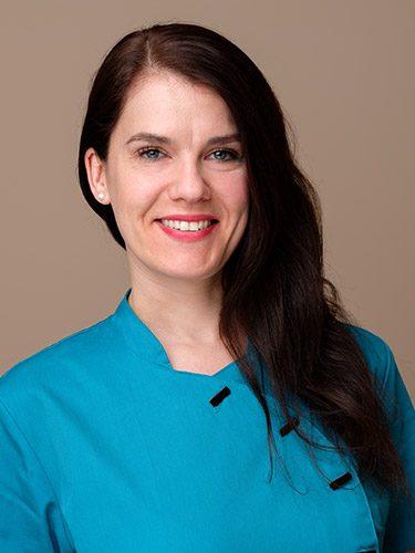 Yvonne Steinhöfel ist Zahnmedizinische Prophylaxeassistentin bei den Zahnärzten im Schloss Berlin Steglitz.